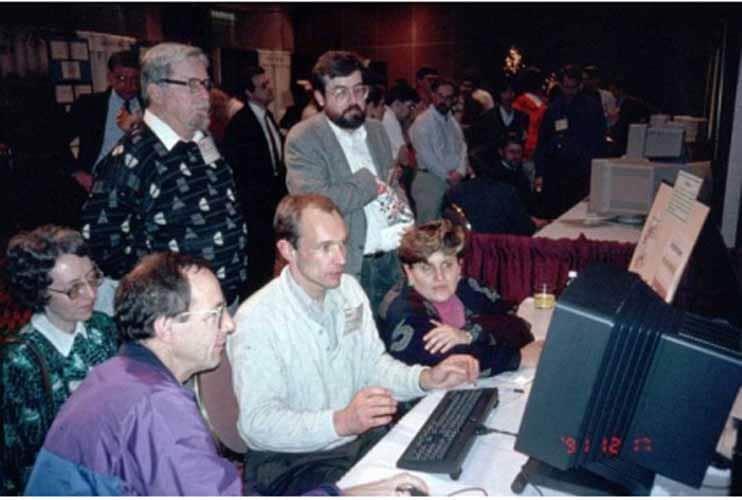 Tim Berners et son equipe au CERN